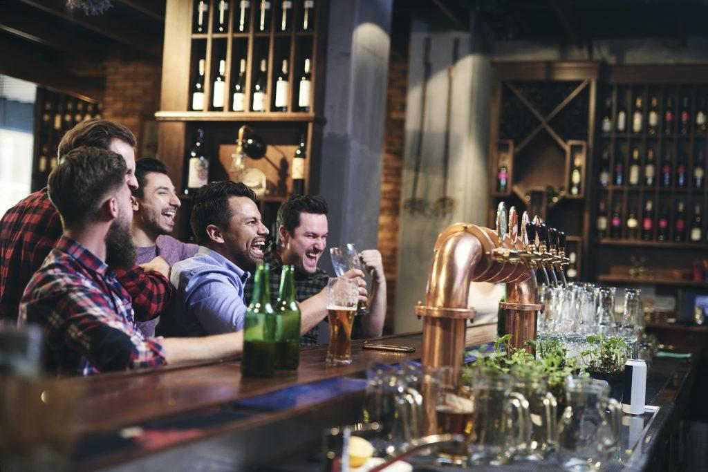 meeting en un bar